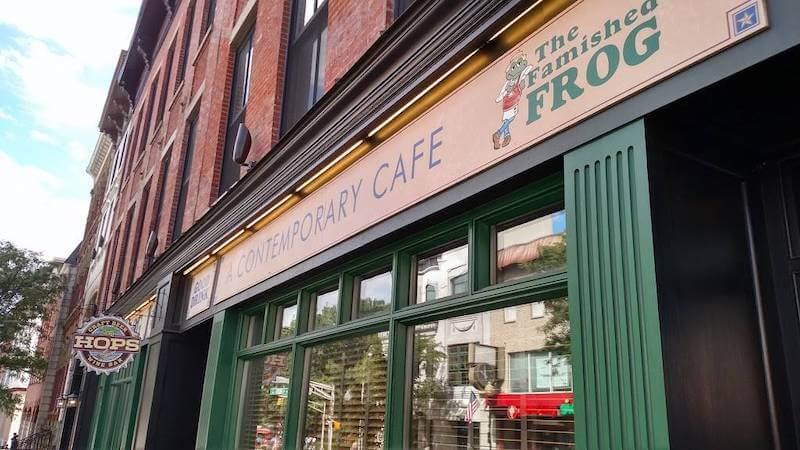 Entry of the famished frog, the contemporary cafe