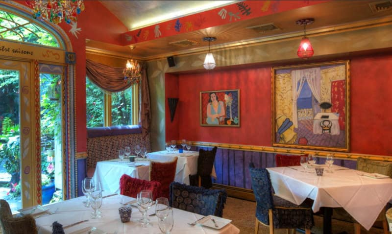 Image of the inerior of one of the most romantic restaurants in NJ: Cafe Matisse