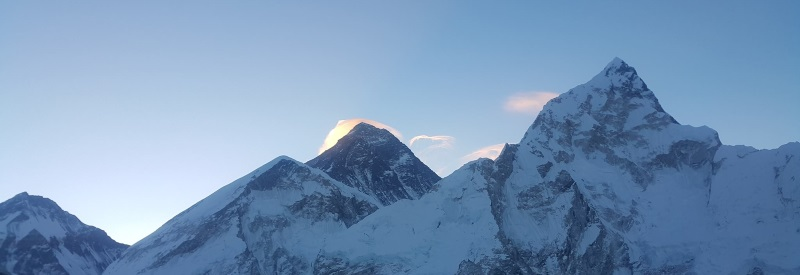 Image of the peaks of Mount Everest in Nepal.