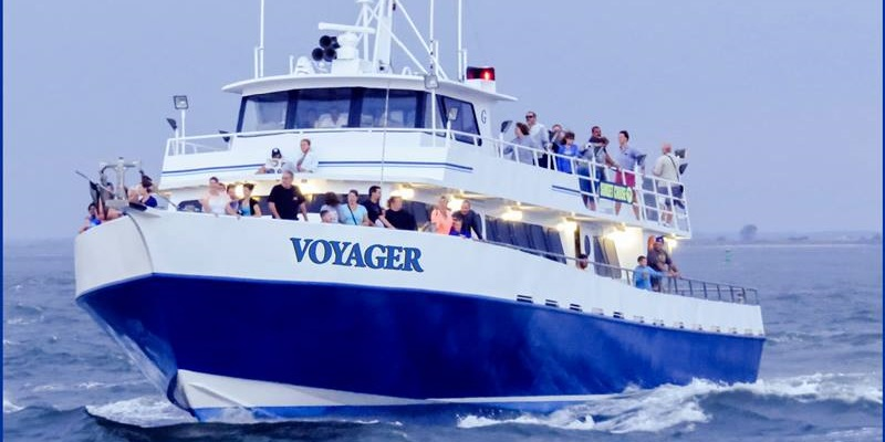 Image of a Voyager party boat on the water in Point Pleasent, NJ.