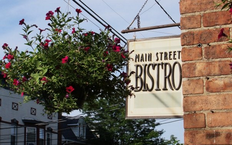 Main Street Bistro Pet-Friendly Dining in NJ