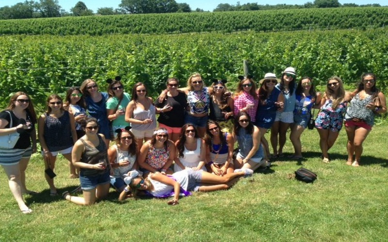 Pour and Pedal provides groups with a great winery tour in NJ on wheels!