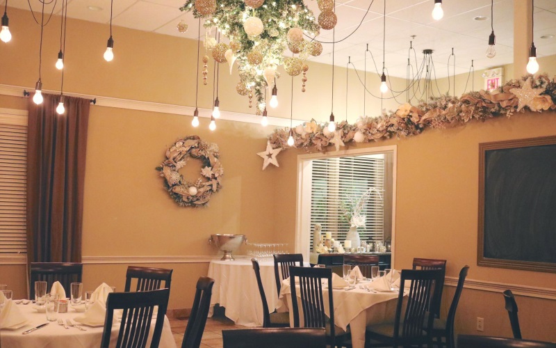 Image of the dining room at Andrea