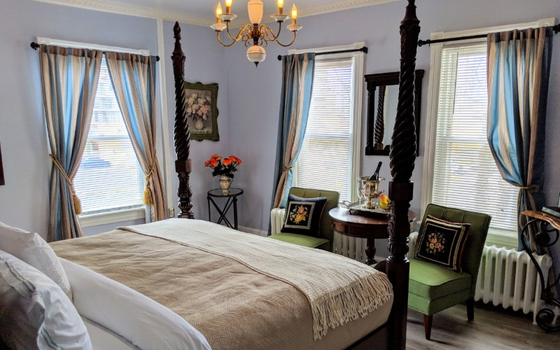 Image of a suite at The Chelsea Inn