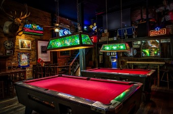 Image of a billiards pool table at one of the best bars in New Jersey