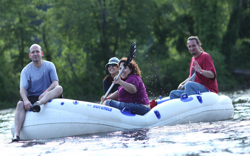 Delaware River Tubing offers lunch and a 4 hour tubing ride!