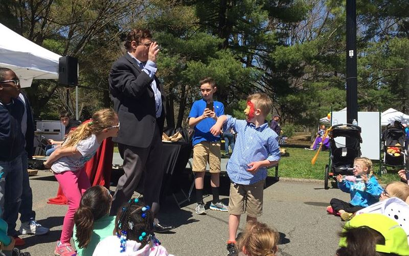 Magician Doug the Magician for Kids Parties in New Jersey