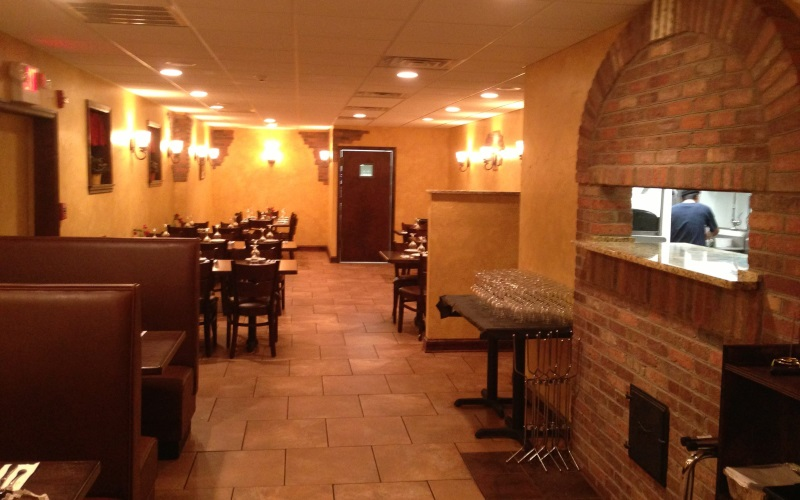 Image of the dining room at Jozannas