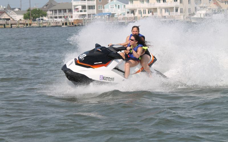 Lakeview Docks jet skiing in New Jersey