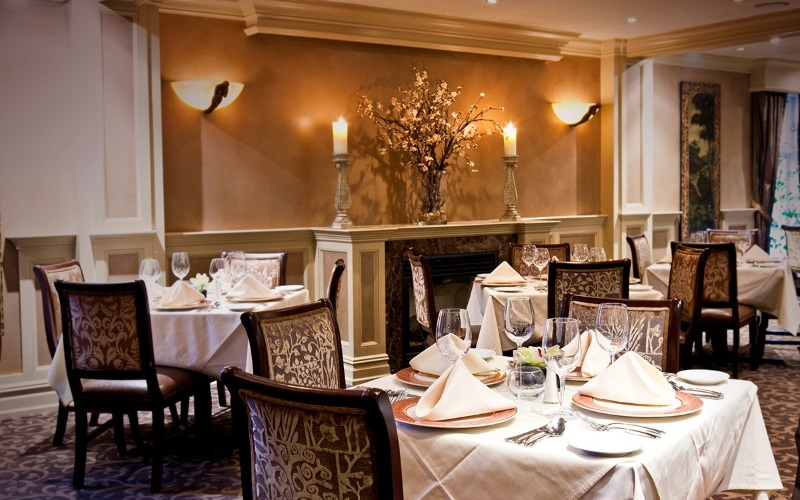 Image of Lunellos dining room