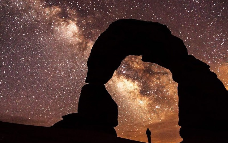 Gaze at the stars for a romantic and cheap date night at the Robert J. Novins Planetarium!