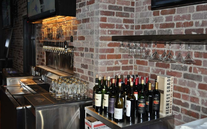 Robinson Ale House Top Shore Bars Red Bank