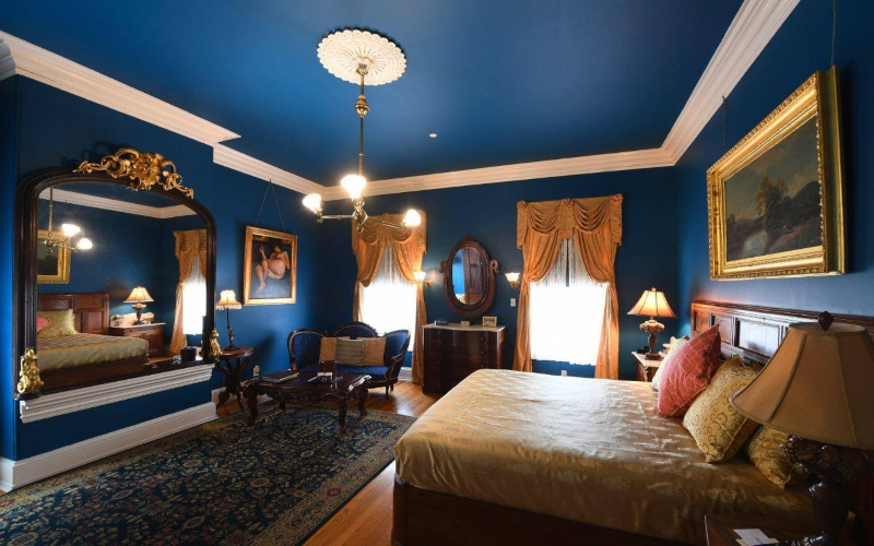 Image of a room with Victorian layout at Southern Mansion