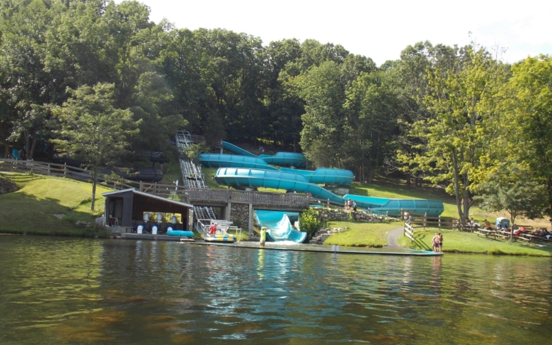 Tomahawk Lake Waterpark Water Park Attractions in Northern New Jersey
